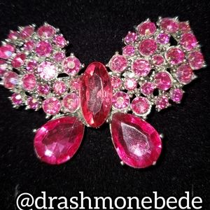 🛍NWT: Vintage Brooch (Pink Butterfly)